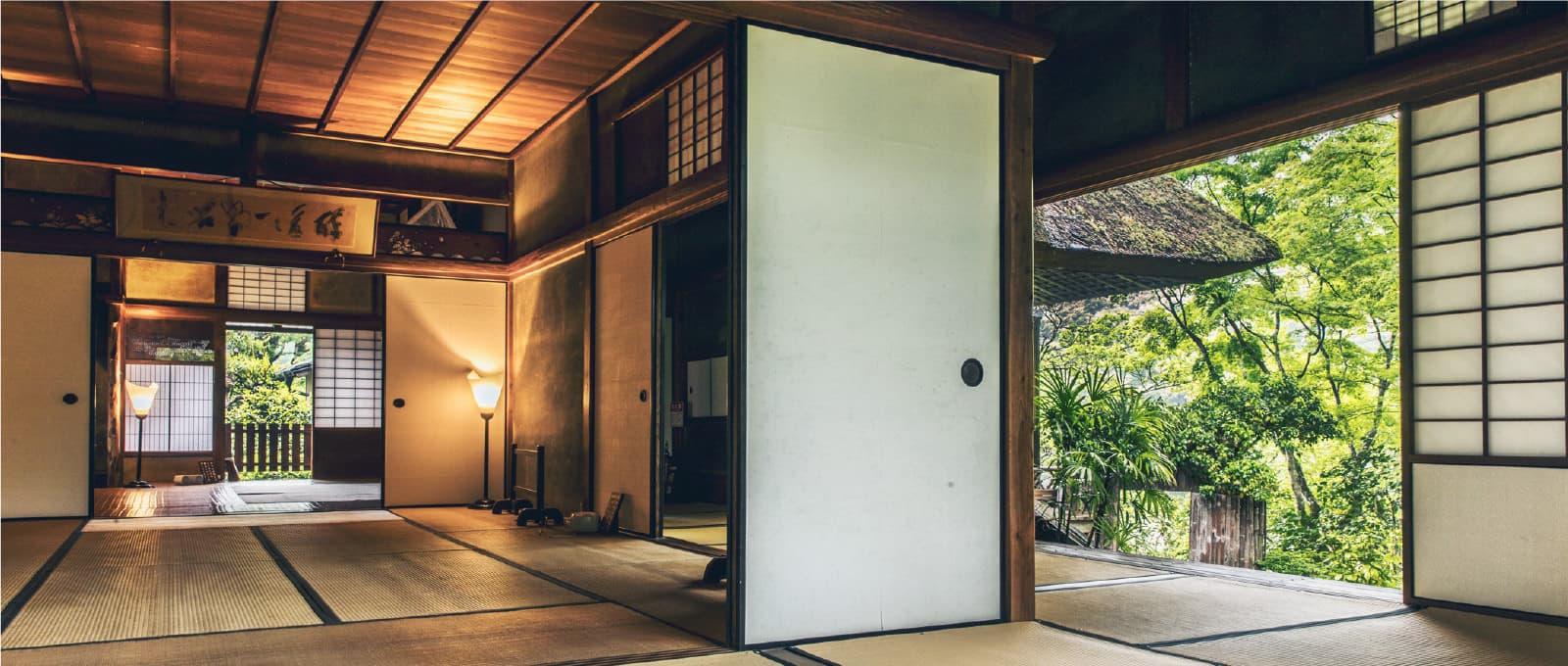 粋を極めた名建築、臥龍山荘。